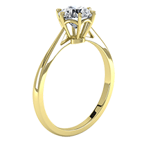 A fabulous single stone engagement ring in 18ct yellow gold with a shiny round brilliant cut diamond in a six claw setting